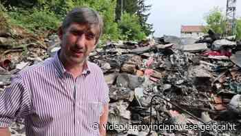 Discarica aabusiva alla cascina di Strada Fogliano superiore a Vigevano: la pulizia - La Provincia Pavese