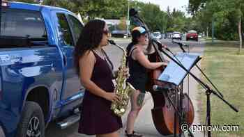Curbside Concerts bring people out around Prince Albert - paNOW