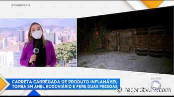Carreta tomba com material inflamável e fere duas pessoas em Belo Horizonte - Record TV