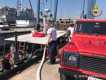 Civitanova Marche, salvataggio imbarcazione - Vera TV