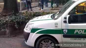 """Spaccia droga ai giardinetti a Monza e scappa dalla polizia: """"Sono soldi facili"""" - MonzaToday"""