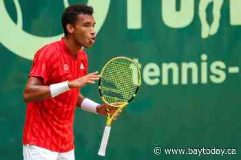 Canadian Felix Auger-Aliassime upsets Roger Federer in second round of Noventi Open