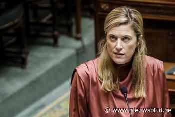 Minister moet uitleg geven na racistisch incident met kassierster
