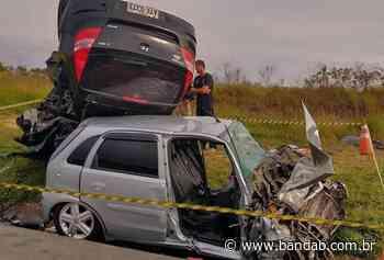 Mulher morre em colisão frontal entre carros na BR-277, em Palmeira - Banda B - Banda B