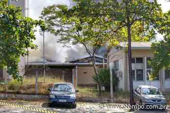 Galpão em Contagem que pegou fogo nesta terça é interditado pela Defesa Civil - O Tempo