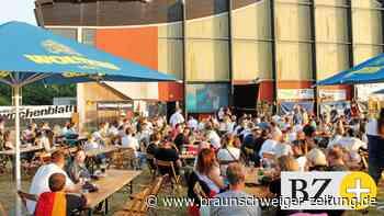 250 Fans besuchten in Salzgitter das erste Public Viewing