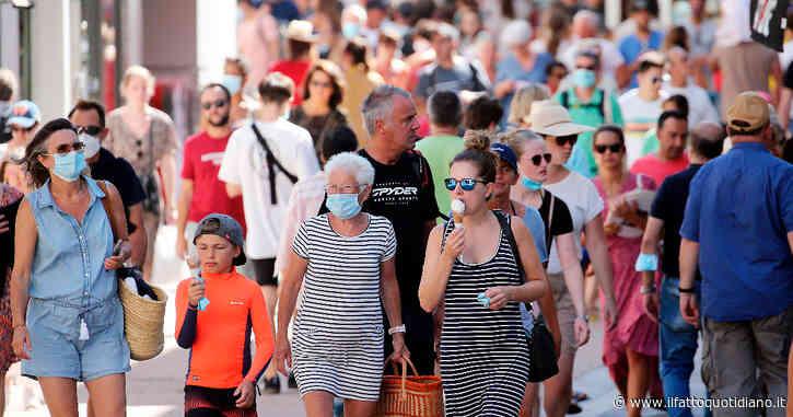 """Francia, stop alle mascherine all'aperto e al coprifuoco. Il premier Jean Castex: """"La circolazione del virus è ai minimi da agosto"""""""