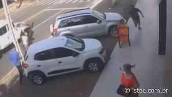 Vídeo: Homem mata ex-mulher a tiros em Teresina - ISTOÉ