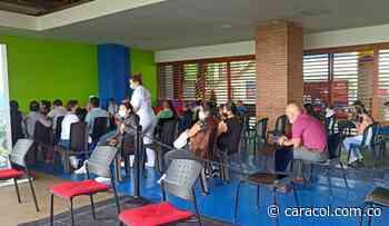 El 69 % de los trabajadores del sector educativo de Pereira están vacunados - Caracol Radio