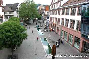 Der Schlossplatz in Lahr ist seit 20 Jahren autofrei und umgestaltet - Lahr - Badische Zeitung