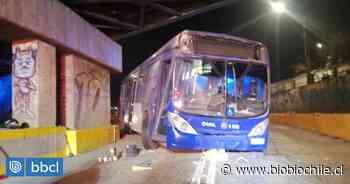 Conductor del Transantiago quedó lesionado tras chocar en San Bernardo - BioBioChile
