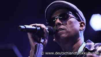 Xavier Naidoo - Muss man ihn singen lassen? - Deutschlandfunk Kultur