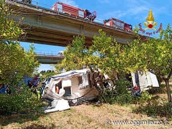 Incidente nei pressi dello svincolo di Milazzo, morto un passeggero. Un uomo intrappolato nell'auto - Oggi Milazzo - OggiMilazzo.it