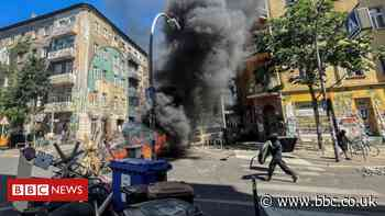 Berlin squat riot leaves dozens of police wounded