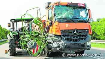 Zwei Verletzte bei Marktbergel: Laster reißt Traktor mit - Nordbayern.de