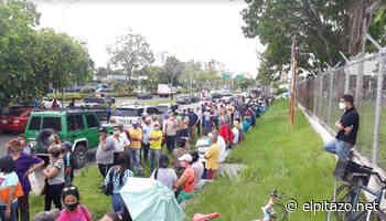 En busca de una vacuna, abuelos y adultos colman Polideportivo de Maturín - El Pitazo
