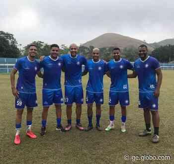 De férias, jogadores que atuam no futebol europeu treinam no Barra Mansa - globoesporte.com