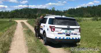 Manitoba community 'on edge' as homicide suspect still at large: mayor
