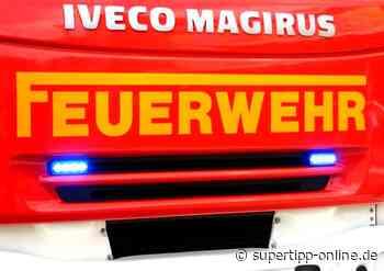 Sattelauflieger an Discounter-Laderampe in Brand geraten - Langenfeld - Super Tipp