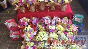 Flowermania leaves flowers for strangers in Gorleston - Great Yarmouth Mercury
