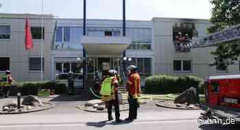 Person mit Rauchvergiftung: Brand bei der AVG in Ettlingen - BNN - Badische Neueste Nachrichten