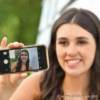 Affordable photo options for 2021 Coquitlam graduates - The Tri-City News