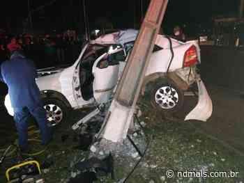 Motorista perde controle do carro e acerta poste em Curitibanos - ND Mais