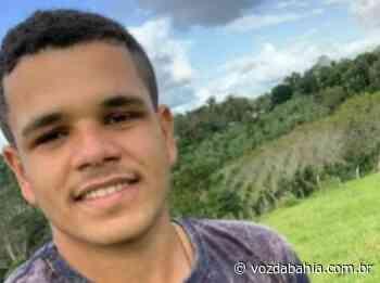 SAJ: Jovem morre após colisão entre carro e uma moto na Sapucaia - Voz da Bahia