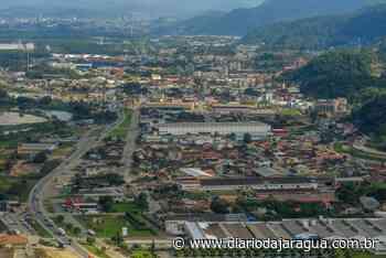 Justiça entrega 25 títulos de propriedade a moradores de Guaramirim - Diário da Jaraguá