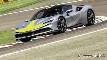 Ferrari SF90 Stradale Assetto Fiorano, la prova in pista - Auto.it