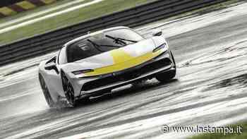 Ferrari SF90 Stradale Assetto Fiorano: la prova, verso l'infinito e oltre - La Stampa
