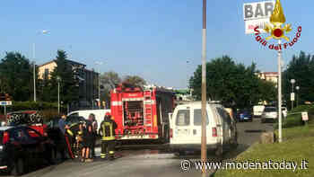 Furgone in fiamme a Fiorano, disagi al traffico ma nessuna conseguenza - ModenaToday