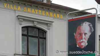 Skalp aus Karl-May-Museum an US-Generalkonsul übergeben - Süddeutsche Zeitung