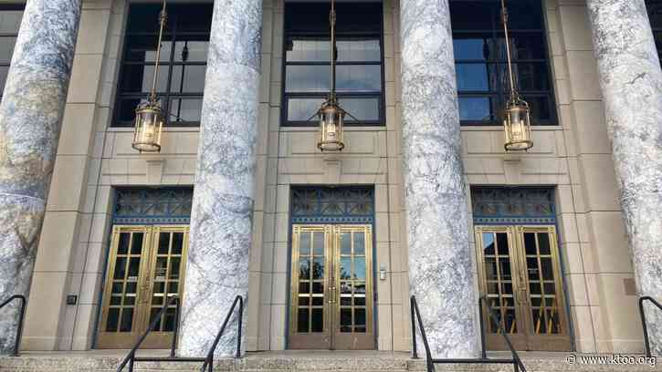 Alaska State Capitol reopens to the public as lawmakers scale back pandemic policies