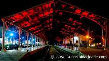 Eventos Iluminação especial em vermelho dá destaque à Estação Ferroviária de Louveira 16/06/2021 às - Portal da cidade