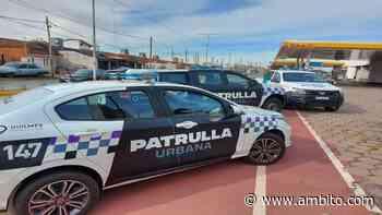 Quilmes: agentes de la Patrulla Urbana detuvieron a delincuentes tras cometer una salidera bancaria - ámbito.com