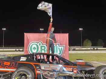 Old Time Feel: Keith Rocco Outduels Ryan Preece To Win Thompson Outlaw Modified Nutmeg State 75 | RaceDayCT.com - RaceDayCT
