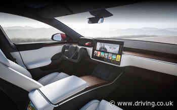 Tesla steering yoke demonstration drives criticism on social media - Sunday Times Driving