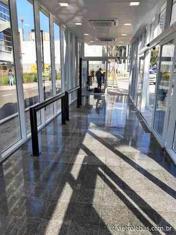 Guarulhos ganha ponto de ônibus com ar condicionado e portas automáticas - Via Trolebus