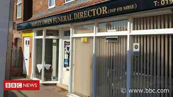 York funeral home arrests over theft and fraud allegations - BBC News
