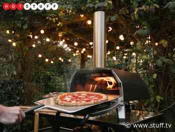 The Ooni Karu 16 Multi-Fuel Pizza Oven bakes massive Italian treats - Stuff