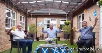 Scotland legend Alan Rough meets care home residents to chat about hopes of beating England - Daily Record