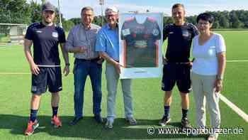 Fußball de luxe: Kunstrasen im Nachwuchszentrum vom FC Eilenburg fertig - Sportbuzzer