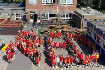 Voetbalgekte in basisschool Immerzeel: iedereen van kop tot teen in het rood