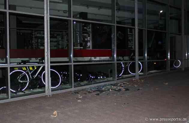 POL-RBK: Bergisch Gladbach - Täter verletzt sich bei Einbruch in Fahrradgeschäft