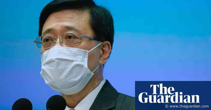 Hong Kong Apple Daily raid targeted 'conspiracy', claims security chief – video
