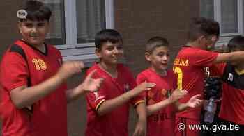 Sociale woonwijk Melkaderlaan in Kallo gebruikt voetbal als 'bindmiddel' - Gazet van Antwerpen