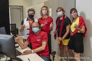 Callcenter vaccinatiecentrum kleurt zwart, geel en rood