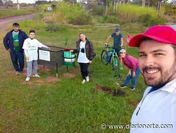 """El Ateneo Bella Vista y """"Locos por el ambiente"""" celebran plantando frutales - Diario NORTE"""