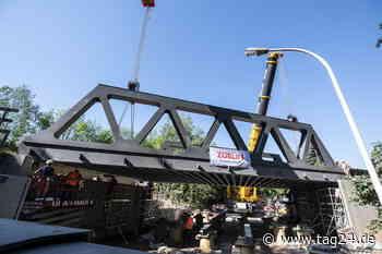 160 Tonnen schwer! Neue Bahnbrücke schwebt in Chemnitz ein - TAG24